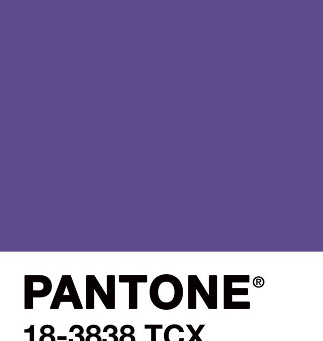 Ultra violet Pantone 18-3838 colore dell'anno 2018